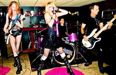 http://www.rockwired.com/crashdollz.JPG