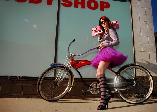 http://www.rockwired.com/delaneygibson.jpg