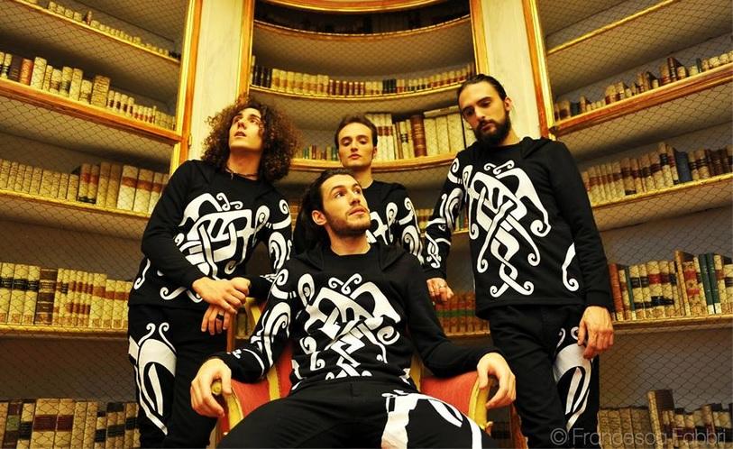 http://www.rockwired.com/piquedjacks2.jpg