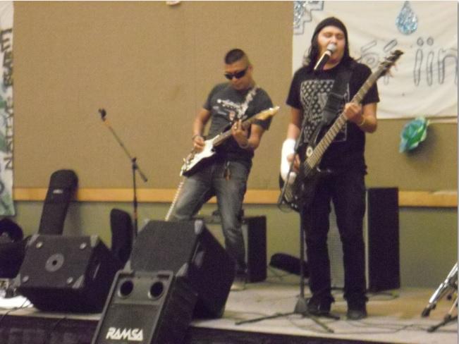 http://www.rockwired.com/wil15.jpg