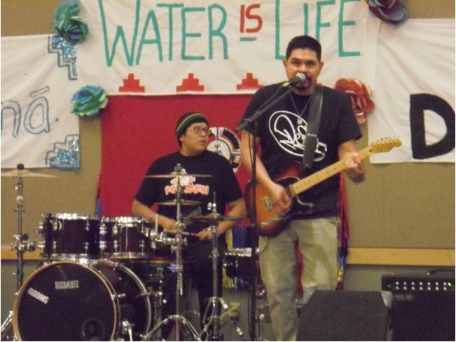 http://www.rockwired.com/wil6.jpg